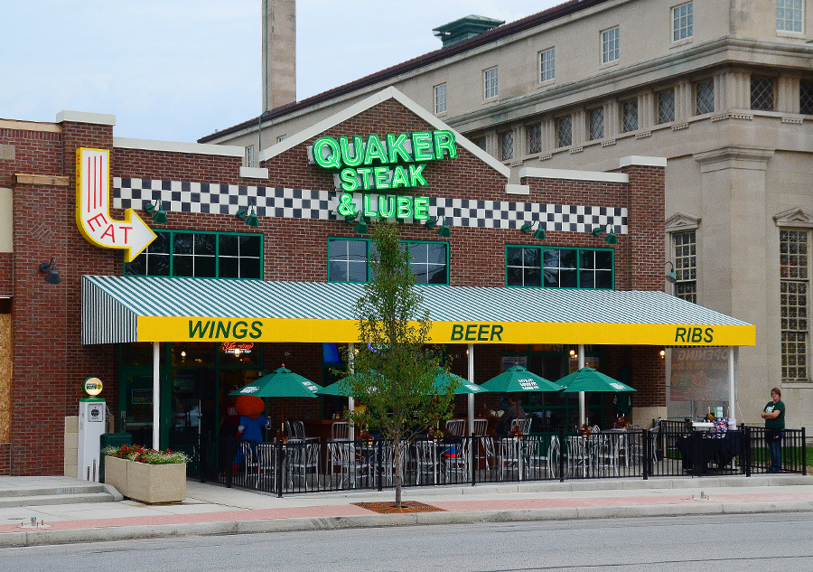 Quaker Steak And Lube Minutes Before Opening